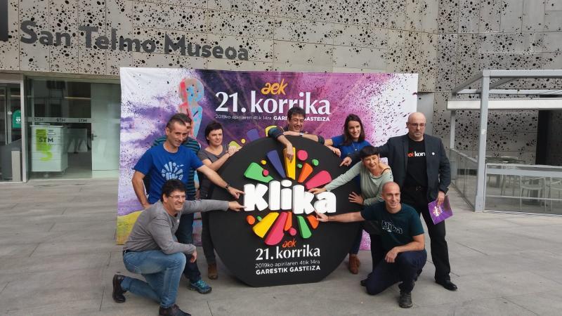 """La 21ème KORRIKA va faire un """"Klik"""" vers l'euskara."""