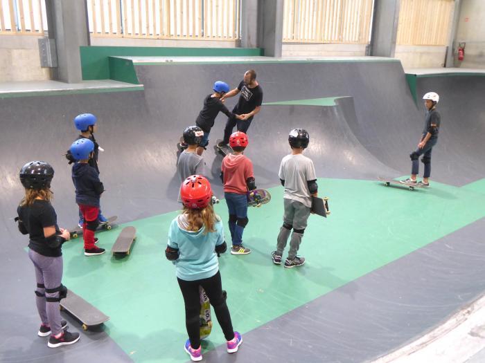 Journée d'intégration des élèves de 6ème de la Villa Fal : Initiation au Skate board